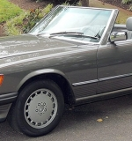 1986 Mercedes-Benz 560 SL Convertible. $17,700.00