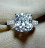 Apx. 3.86ct Diamond ring set in Platinum. $25,300