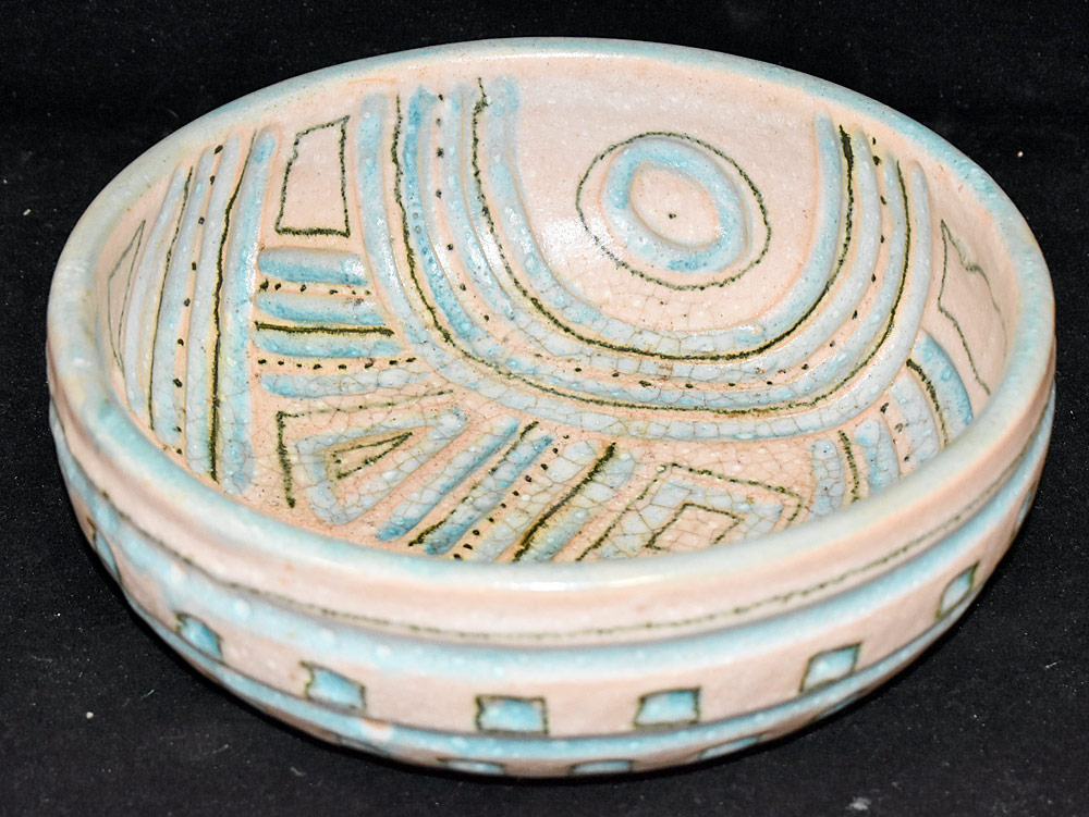 186. Guido Gambone Pottery Bowl. $276.75