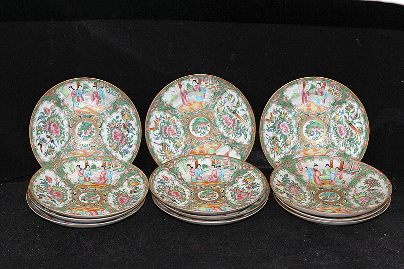 377. Twelve Chinese Rose Medallion Plates. | $61.50