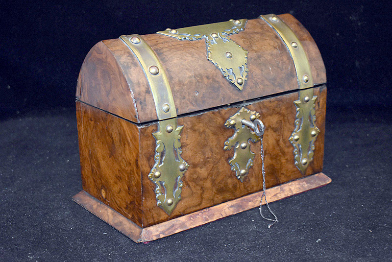 428. 19th C. Continental Burl Wood Jewelry Casket. | $47.20