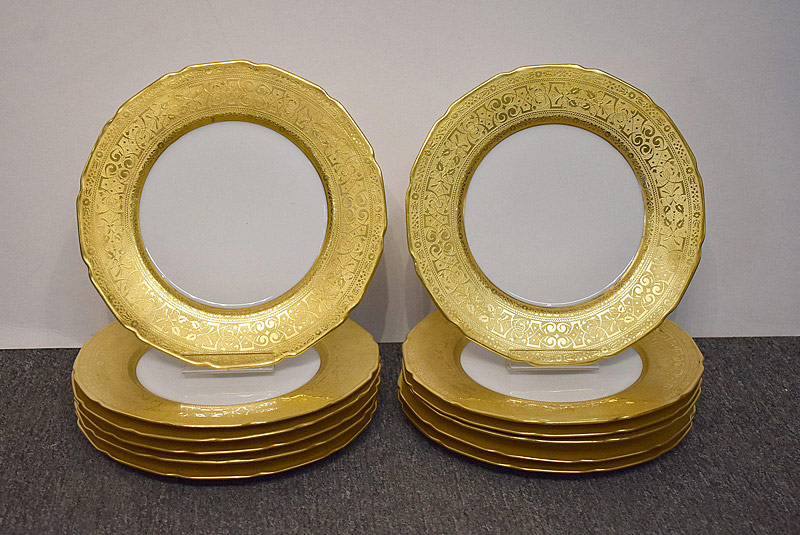 503. Twelve Limoges Gilt Cabinet Plates. | $338.25