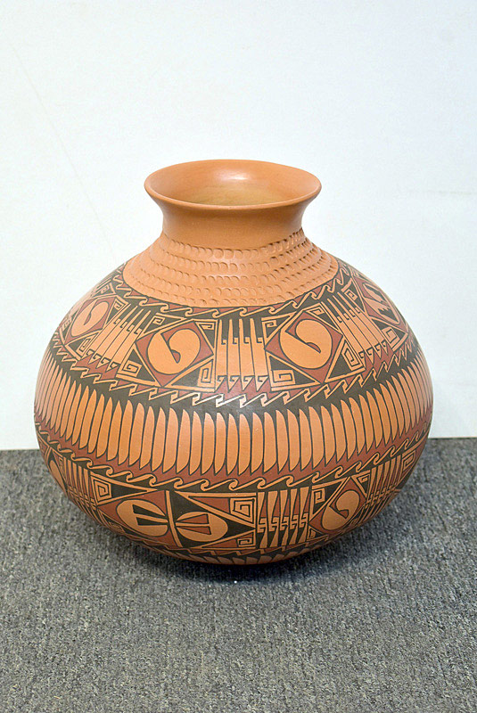 525. Large Native American Pot. | $70.80