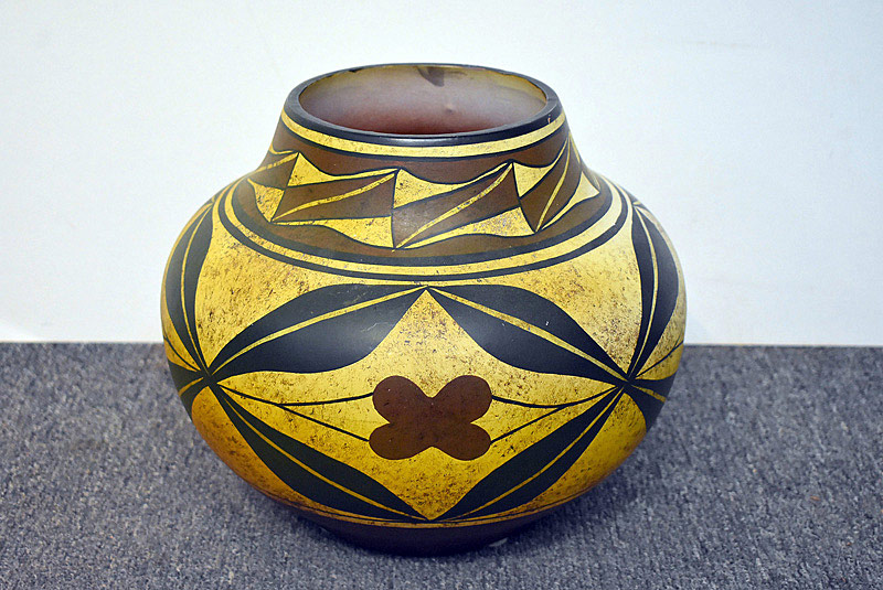527. Large Native American Pot. | $215.25