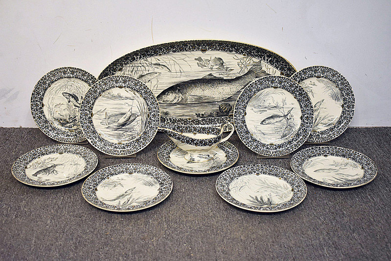 569. 11-pc. English Porcelain Fish Service, W.T. Copeland & Sons. | $236