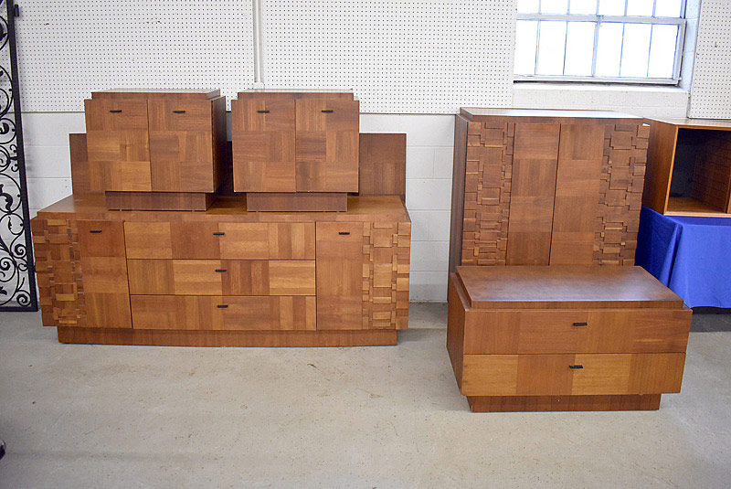 721. Five Piece Brutalist Bedroom Suite.	| $553.50