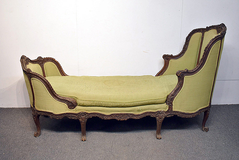 799. Louis XV-style Carved Chaise Lounge. | $615
