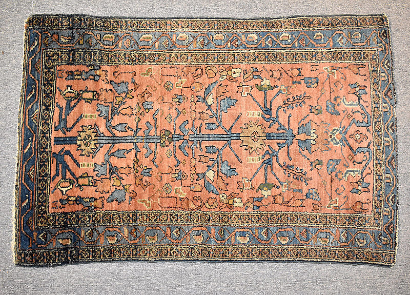 124. Sarouk Mat, 3ft 8in x 2ft 6in |  $153.75