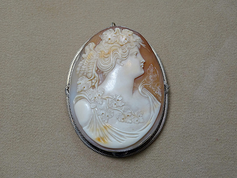 151. Large Cameo Pin/Pendant in 14K Yellow Gold |  $147.50