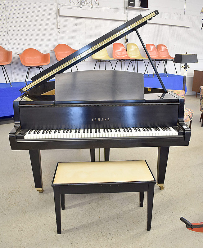 284. Yamaha G1 Baby Grand Piano, #779317 |  $1,652