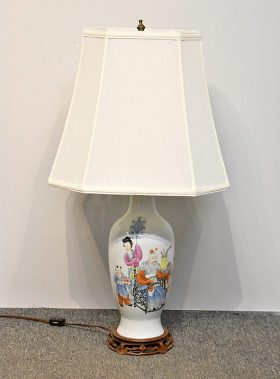 154. Chinese Famille Rose Porcelain Table Lamp    $123
